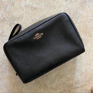 coach makeup bag (price is firm)